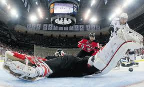 Anze Kopitar scores agoal in OT to give the Kings a win in Game 1 of the Stanley Cup Finals.
